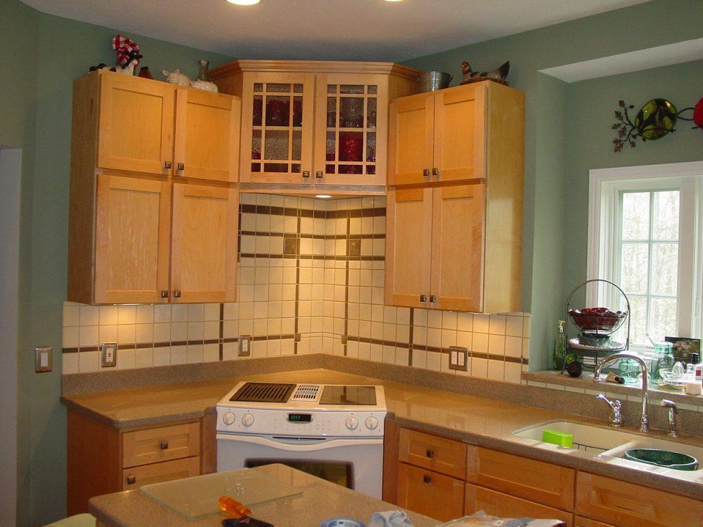 Arts and crafts kitchen designs handy home design for Arts and crafts kitchen designs