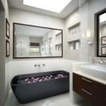 Bathroom Decorating Ideas for Small Baths