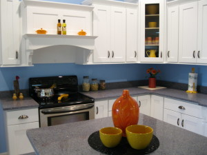 Kitchen White Cabinets Wall Color