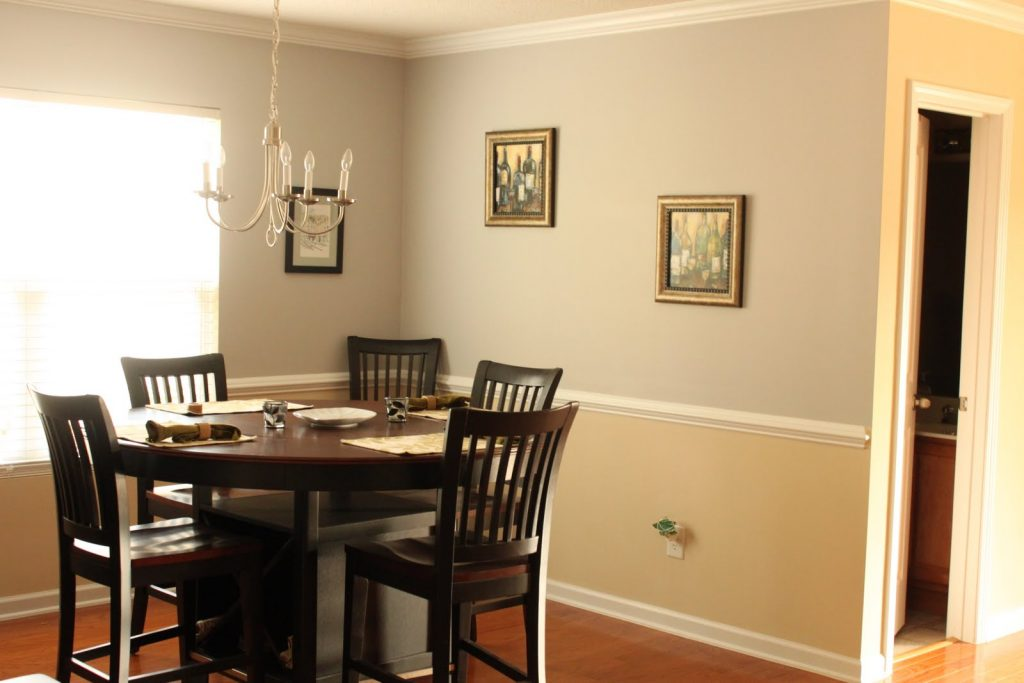 How to paint a room with two colors handy home design for What color should you paint your living room
